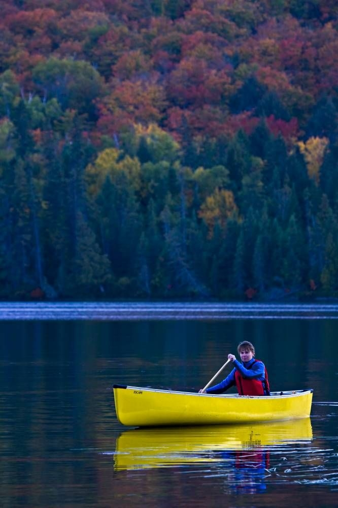 Photo Canoeing Yellow Canoe Rock Lake Algonquin
