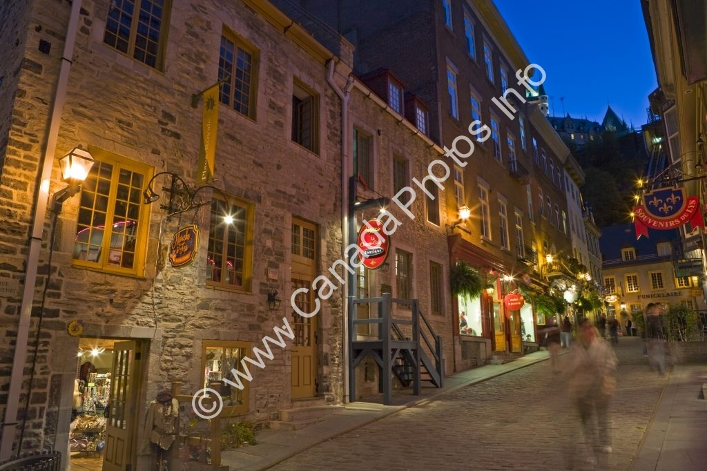 Photo Illuminated Stone Buildings Old Part Quebec City