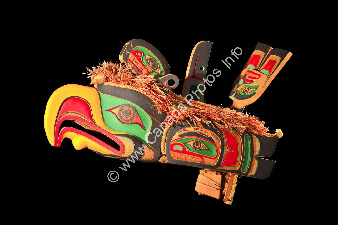 Photo Native culture original West coast native art carving
