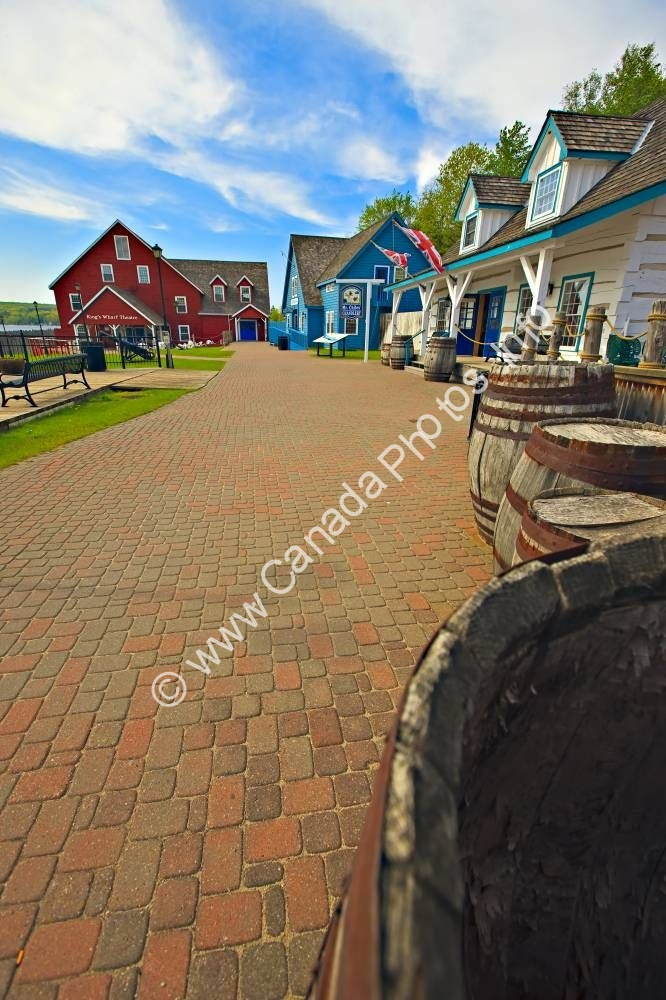 Photo Old Buildings Discovery Harbour Ontario