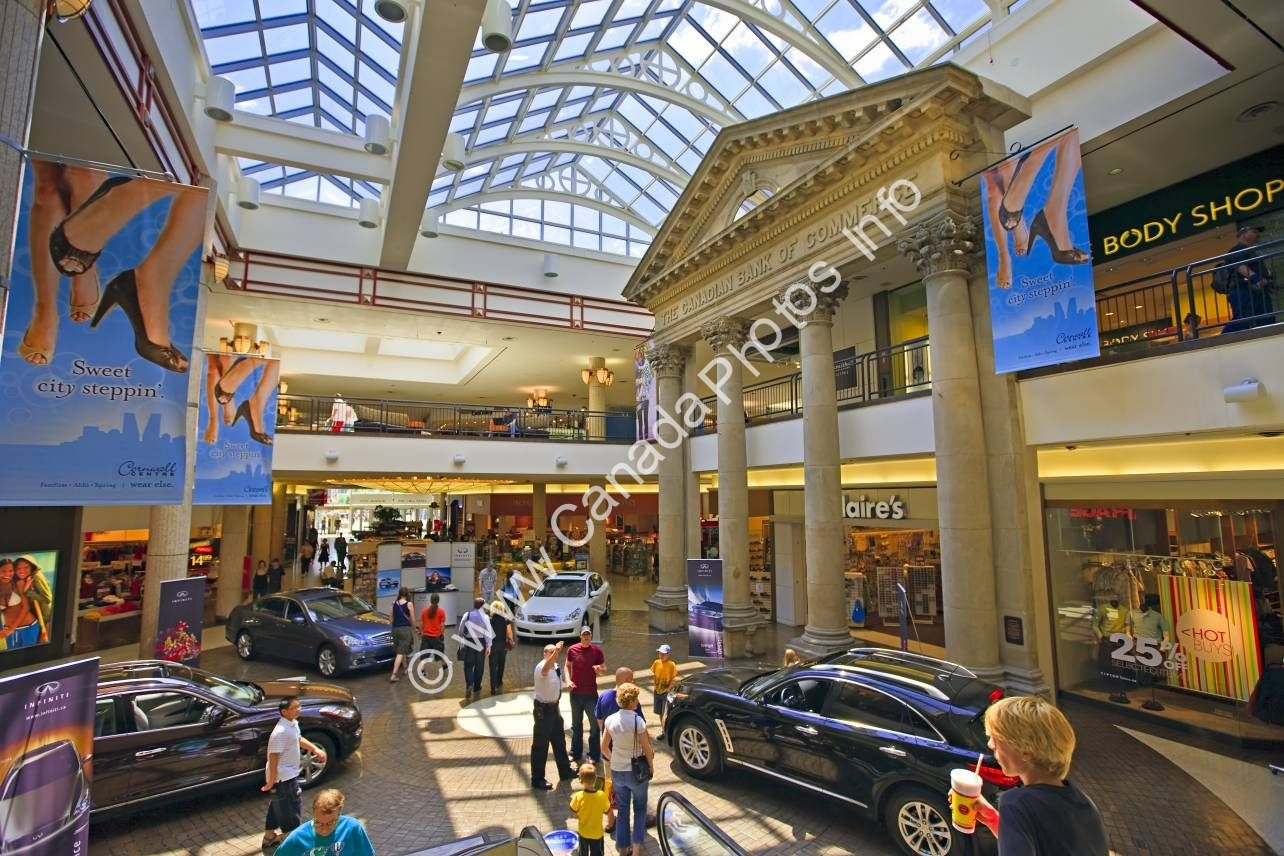 Photo Shopping Mall Cornwall Centre Regina