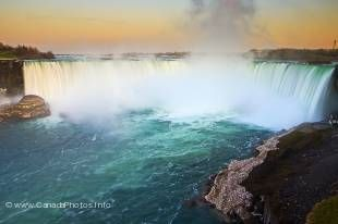 Ontario's top tourist attraction are the Niagara Falls south of Toronto.