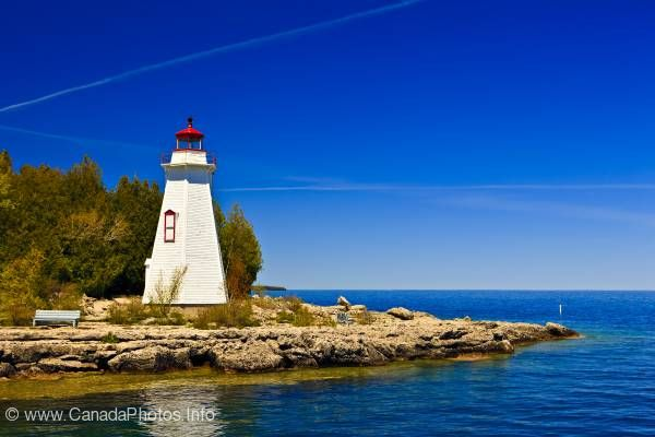 photo of Big Tub Lighthouse Tobermory Lake Huron Ontario