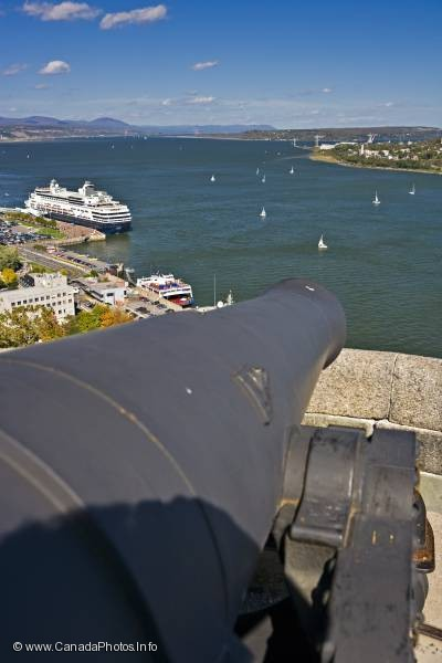 photo of Cannon Gun La Citadelle of Quebec St Lawrence River