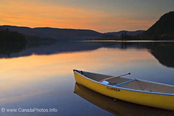 photo of Nature sunset canoe Parc national du Mont Tremblant Quebec