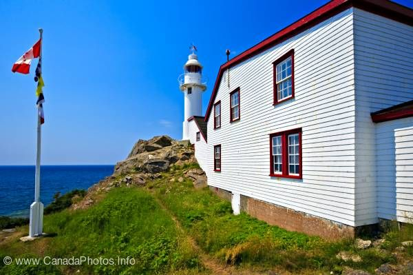 photo of Lobster Cove Lighthouse Gros Morne Newfoundland